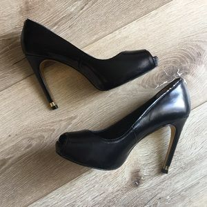 Ted Baker Glister Black Peep Toe Pumps Sz 6 EUC